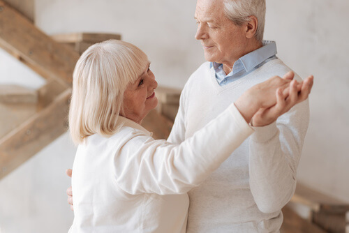 Tanz und Bewegung auf jeder Seniorenfeier mit Party DJ Tommy