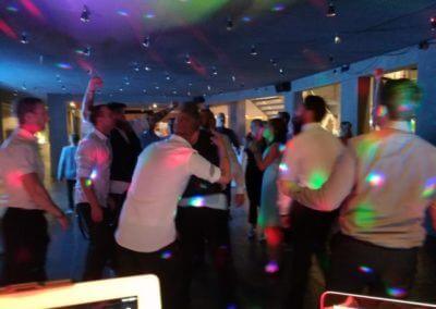 Der Hochzeits-DJ für die richtige Party